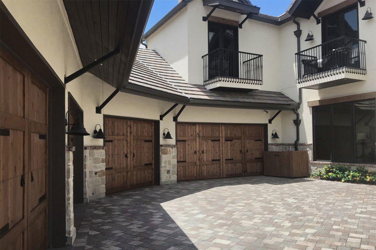 1.4N-5706LV-Garage-Doors