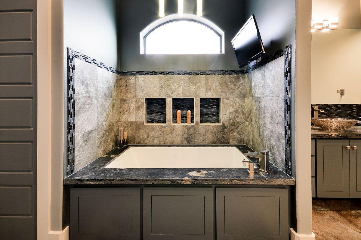 8.4-1007-Master-Bath-1200×800